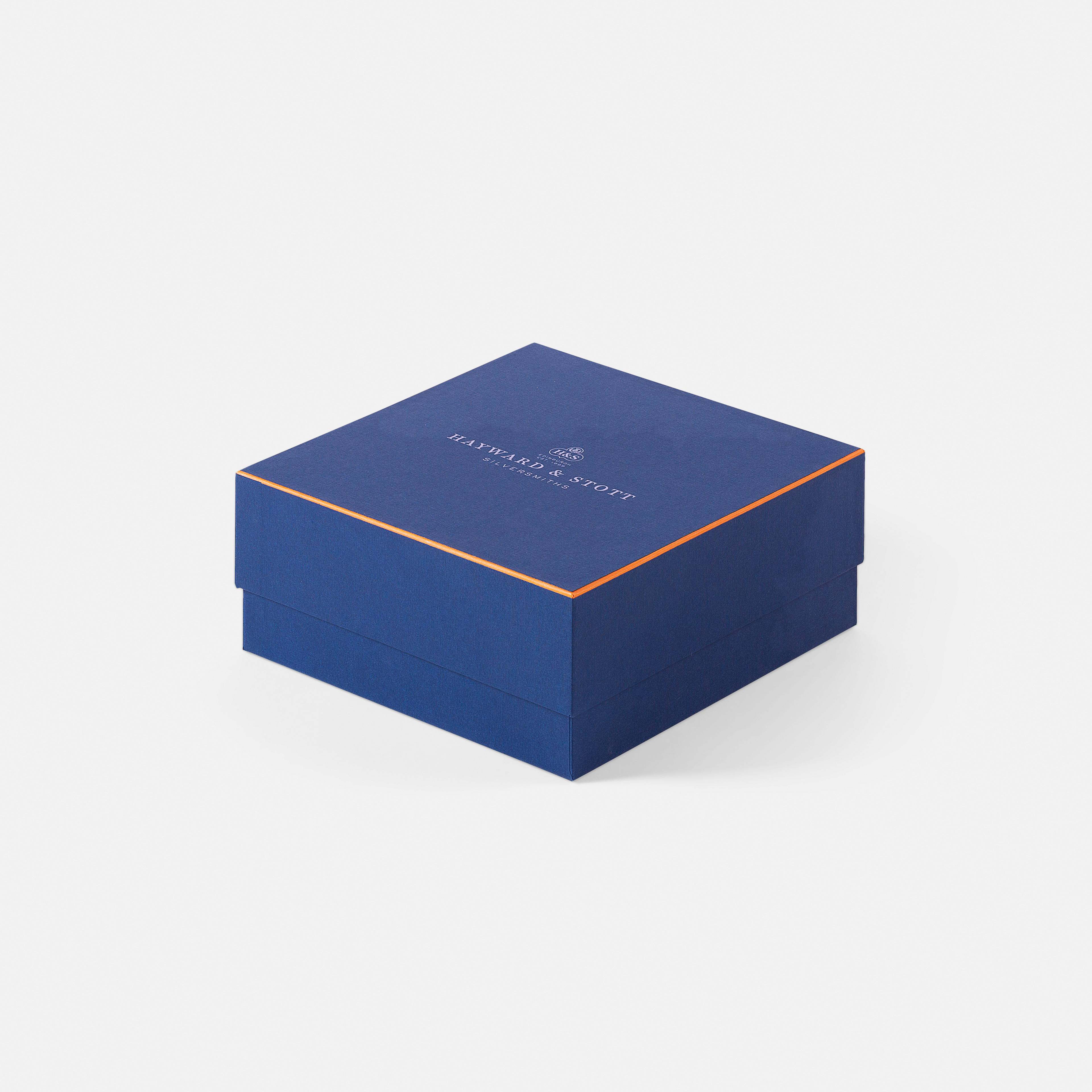 Medium Closed box
